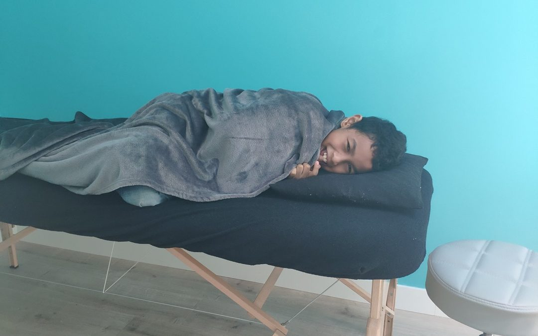 [OSTÉOPATHIE ET ÉNERGIE]  Antenaina reçoit des Séa…